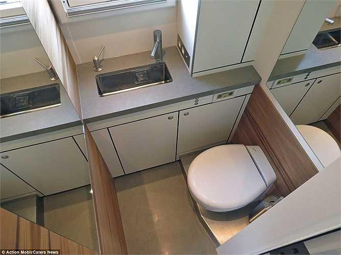 Phòng bếp, nhà tắm, nhà vệ sinh cũng như phòng ngủ được thiết kế hài hòa, ngăn nắp.