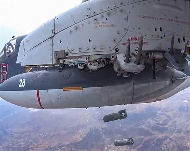 Máy bay Nga ném bom các mục tiêu IS ở Syria