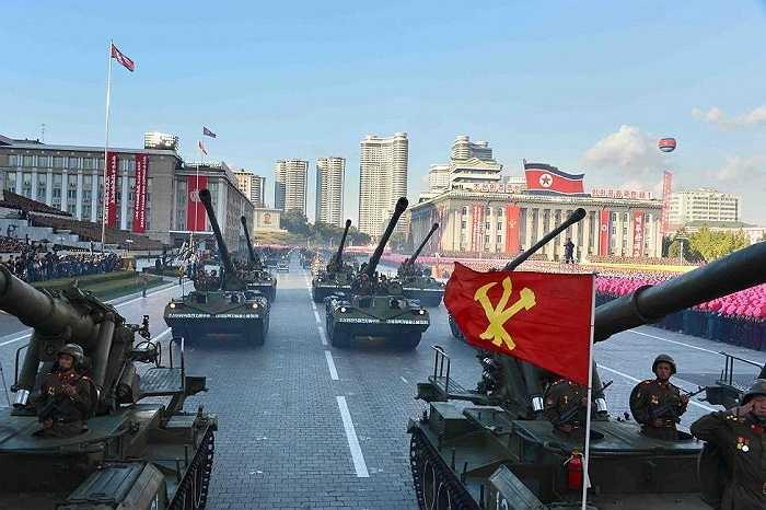 Lễ diễu binh kỷ niệm 70 năm ngày thành lập đảng Lao động ở Bình Nhưỡng, Triều Tiên