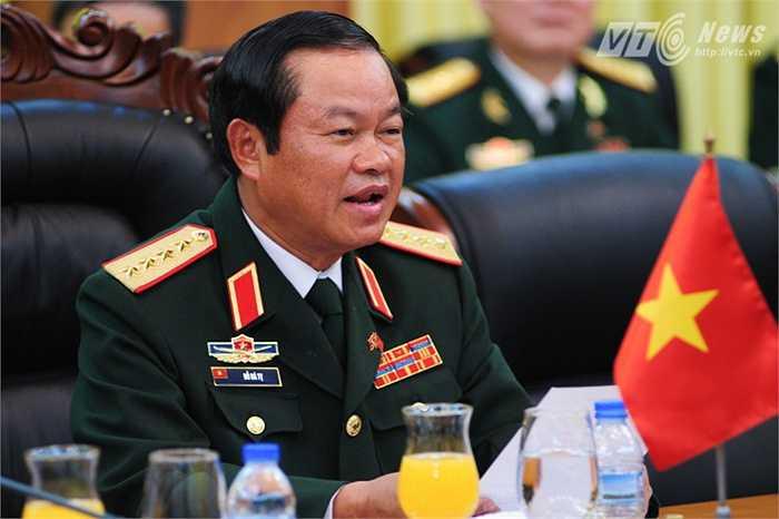 Đại tướng Đỗ Bá Tỵ, Tổng tham mưu trưởng Quân đội Nhân dân Việt Nam phát biểu trong hội đàm