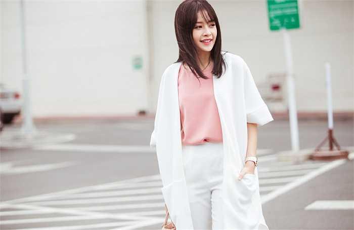 Gu thời trang của Chi Pu thời gian gần đây được nhiều người đánh giá ngày càng ra dáng một quý cô trưởng thành, thanh lịch.