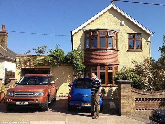 Martin cho biết mua nhà mới có lẽ còn rẻ hơn nhưng gia đình anh không muốn rời căn nhà hiện tại.