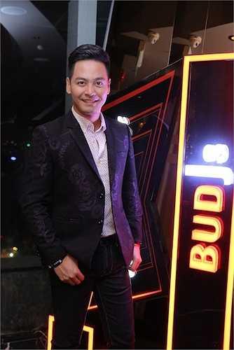 Anh tỏ ra vô cùng phấn khích khi tham gia đêm công bố danh sách TOP 12 của cuộc thi BUDJs sau 2 tuần khởi động cuộc thi.