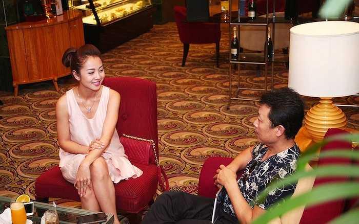 'Hiện nay, khách du lịch nước ngoài ở Việt Nam đang thiếu nơi giải trí vào ban đêm. Hầu hết họ chỉ biết vào các quán bar, club hoặc khám phá ẩm thực. Điều này lặp đi lặp lại sẽ gây chán nản đối với nhiều du khách. Do đó, tôi thấy cần thiết phải có một nhà hát có cơ sở hạ tầng vững chắc, những diễn viên chuyên nghiệp và chương trình được đầu tư bài bản trong thời gian dài để phục vụ du khách nước ngoài.'