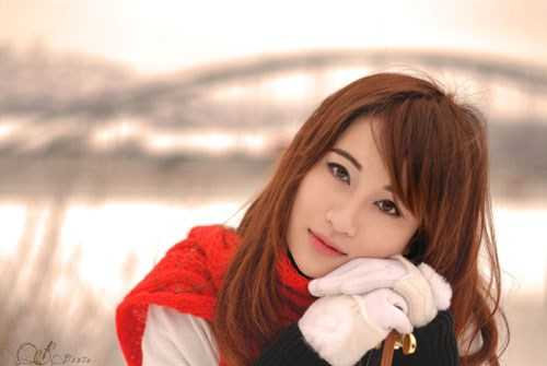 Nguyễn Phương Duyên, sinh năm 1994, đang học chuyên ngành Y tá, trường McGill University, Montreal, Canada. Phương đã bắt đầu đi du học Mỹ từ năm 16 tuổi, nhưng vừa chuyển qua Canada sống và học tập được hơn 1 năm.