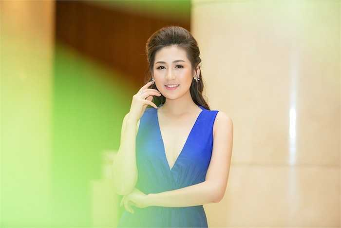 Á hậu Tú Anh vừa xuất hiện tại một sự kiện được tổ chức tại Hà Nội vào cuối tuần qua.