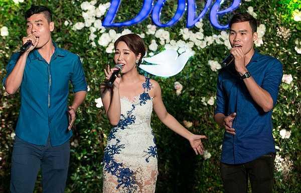 Có thể nói, Uyên Linh là một trong số hiếm những quán quân thành danh từ cuộc thi Vietnam Idol còn giữ được sức hút tới thời điểm hiện tại.