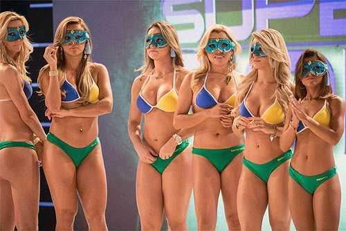 1. Hoa hậu Siêu vòng 3: Cuộc thi Hoa hậu Siêu vòng 3 (Miss Bum Bum) được xem là 'đặc sản' của xứ sở Brazil. Trong cuộc thi này, khuôn mặt, vòng eo hay đôi chân dài không phải điều quyết định để thí sinh giành được vương miện. Yếu tố quan trọng nhất, đúng như tên gọi của cuộc thi, đó là một vòng 3 hoàn hảo đáp ứng được các tiêu chí: Săn chắc, nở nang, đầy đặn,vun cao. Cuộc thi cũng không cấm thí sinh đã từng qua phẫu thuật thẩm mỹ.