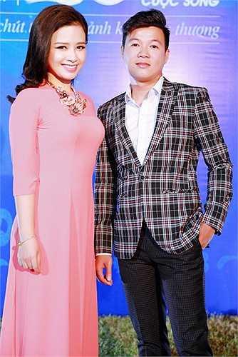 Dương Hoàng Yến cũng dí dỏm nói rằng, cô muốn gia nhập ngay cộng đồng Sky, chính là cộng đồng fan khổng lồ của Sơn Tùng M-TP.