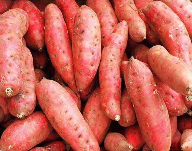 Khoai lang: Khoai lang chứa beta-carotene là một chất chống viêm. Đây cũng là một trong những loại thực phẩm thân thiện với gan.