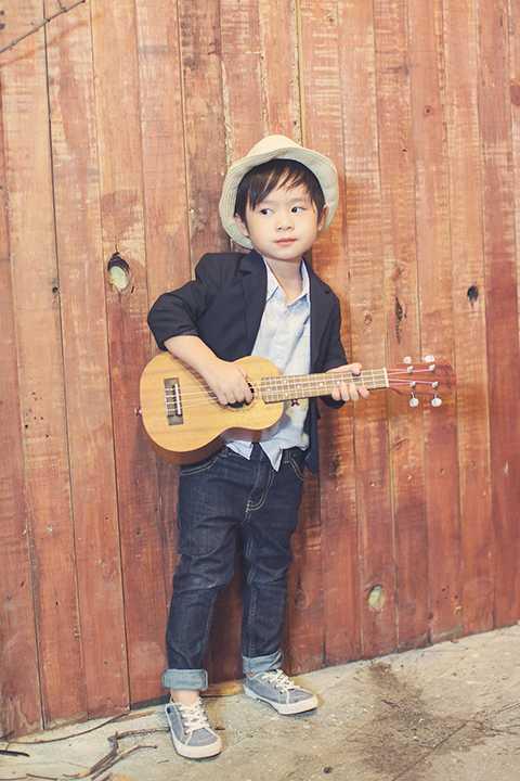 Cậu nhóc Rio Nguyễn Hạo Nhiên - con trai đầu lòng của đôi vợ chồng showbiz Việt Lý Hải – Minh Hà đã chính thức bước sang 4 tuổi cách đây một ngày.