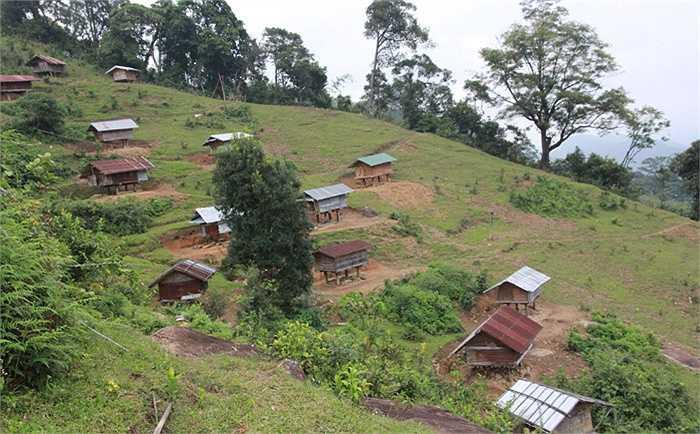 Ông Hồ Văn Điết, 80 tuổi, thôn 3 xã Trà Linh, Nam Trà My, Quảng Nam cho biết, sở dĩ người Xê Đăng không cất lúa trong nhà, mà để trong kho ở bìa rừng, là bởi vì, trong văn hóa của người Xê Đăng, thóc lúa chính là thần.