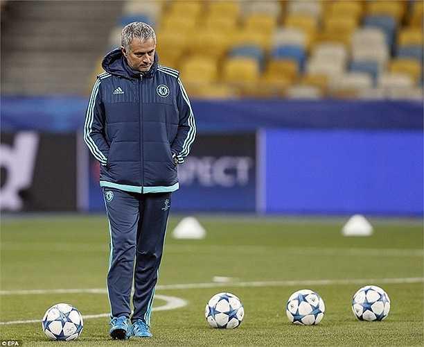 Mourinho cho biết: 'Ông đến từ 1 thế giới khác và luôn là người cô độc trong thế giới hiện đại'