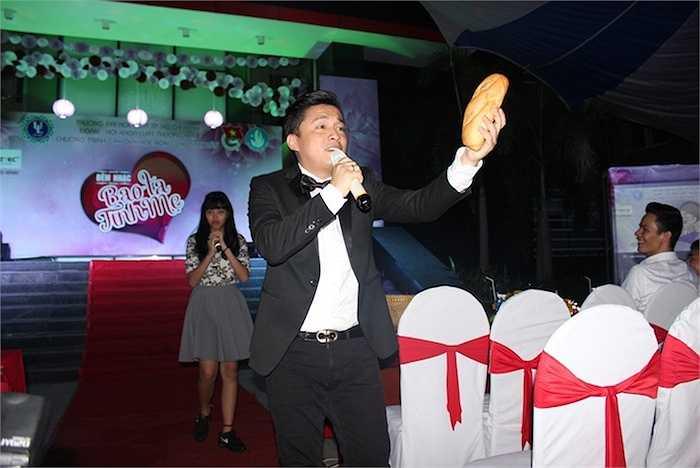 Câu chuyện giản dị, chân thật của người cha làm nghề bán bánh mì từng được anh thể hiện thành công tại chung kết The Voice Kids 2014.