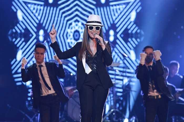 Đây được xem là món quà mà Họa mi tóc nâu muốn dành tặng cho khán giả Thủ đô trong suốt thời gian qua đã luôn ủng hộ cô trong chương trình Giọng hát Việt 2015.
