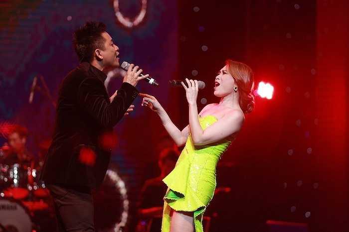 Cả hai đã cùng nhau song ca nhạc phẩm Em và tôi của nhạc sỹ Thanh Tùng.