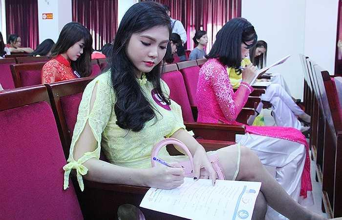 Sau Thành phố Hải Phòng, vòng sơ khảo Nữ Sinh viên Việt Nam duyên dáng 2015 sẽ diễn ra tại Học viện Báo chí và Tuyên truyền vào ngày 22,23/10/2015.