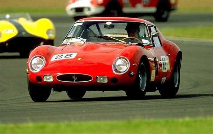 Sở hữu món đồ chỉ riêng mình có là nhu cầu thường thấy của các đại gia tiền tỷ. Dù là xe hơi, đồ thể thao hay một bức tranh cổ, nó đều thể hiện thương hiệu của chủ nhân. Hãy tưởng tượng cách mà người ta nhìn khi bạn lượn phố với chiếc Ferrari 250 GTO Racer từ năm 1963?