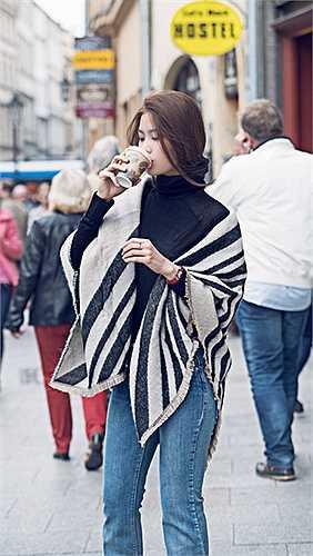 Sinh năm 1991, Diễm Trang là một trong những Á hậu được công chúng yêu mến bởi vẻ đẹp tri thức cùng đời sống không scandal. Từng là mỹ nhân ăn mặc có phần 'nghèo nàn', có phần khá quê nhưng giờ đây Diễm Trang đang dần vươn mình trở thành một trong những biểu tượng thời trang của Vbiz