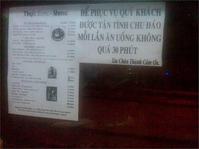 Quy định 'bá đạo' của một cửa hàng ăn, khách chỉ được ăn không quá 30 phút.