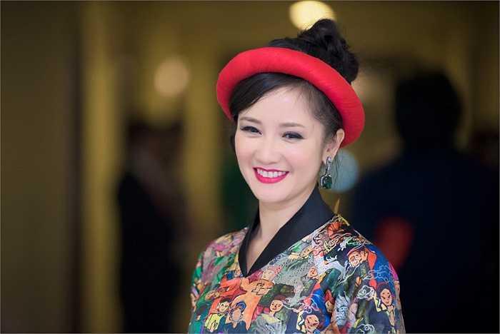 Tham dự đêm nhạc của nhạc sĩ Phú Quang, Hồng Nhung khiến nhiều người bất ngờ khi giữ được vẻ trẻ trung, xinh đẹp.