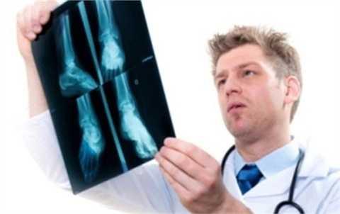 Bác sỹ chỉnh hình được trả mức lương cao lên đến 179.923 USD.