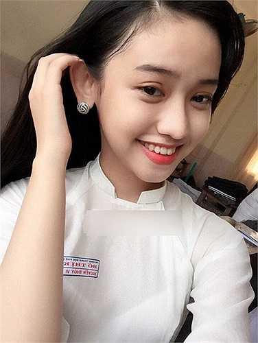 Dù được chàng thiếu gia Phan Thành chuyển 15 triệu mua điện thoại như lời hứa nhưng lại nói lời chia tay nên cô nữ sinh đã tức giận và đăng hình tin nhắn của hai người lên facebook tuy nhiên sau đó cô đã xóa ngay lập tức.Nguyễn Thúy Vi cho hay cô không hề có ý chia rẽ Phan Thành và Midu.