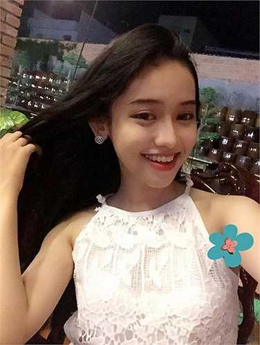 """Hot girl Nguyễn Thúy Vi - cô gái 17 tuổi ở Cà Mau là """"người thứ ba"""" trong mối quan hệ giữa Hot girl Midu và chồng sắp cưới - thiếu gia Phan Thành."""