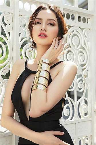 Mỹ nhân có khuôn mặt đẹp nhất showbiz Việt cũng là một ứng cử viên sáng giá trong danh sách những người đẹp được khao khát nhất. Khuôn miệng rộng của Trúc Diễm được giới chuyên gia nước ngoài đánh giá rất cao.