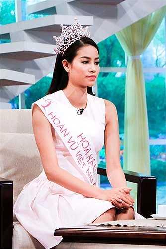 Điều đó giúp Phạm Hương cảm thấy thanh thản và nhẹ lòng, cô còn tiết lộ với Phương Mai khác với nhiều thí sinh đều bị giảm cân, riêng Phạm Hương đã tăng 3kg sau cuộc thi.