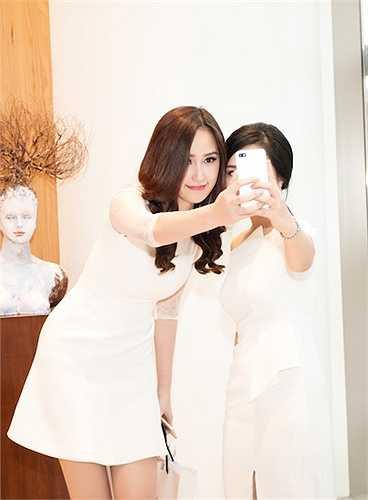 Cùng ngắm thêm hình ảnh của Mai Phương Thuý và Vũ Ngọc Anh tại sự kiện: