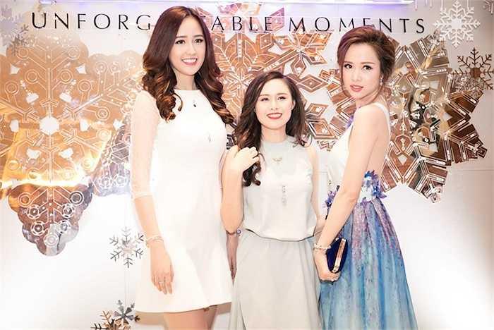 Hai người đẹp của cuộc thi Hoa hậu Việt Nam đọ sắc.