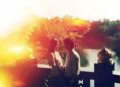 Tháng 2/2013, Phan Thành chia sẻ hình ảnh tình tứ với Midu trên trang cá nhân làm tin đồn tình ái của cặp đôi rộ lên. Tuy nhiên Midu từ chối chia sẻ chuyện tình cảm với truyền thông