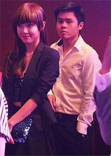 Ngày 7/3/2013, Midu lần đầu công khai xuất hiện cùng thiếu gia Phan Thành trong một buổi ra mắt phim