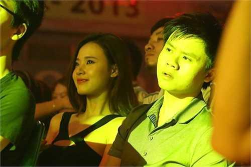 Tháng 11/2013, Phan Thành hộ tống bạn gái tới một chương trình ca nhạc. Sau khi chia tay với bạn trai đầu tiên hơn một năm, Midu chính thức tìm được niềm vui mới bên Phan Thành.