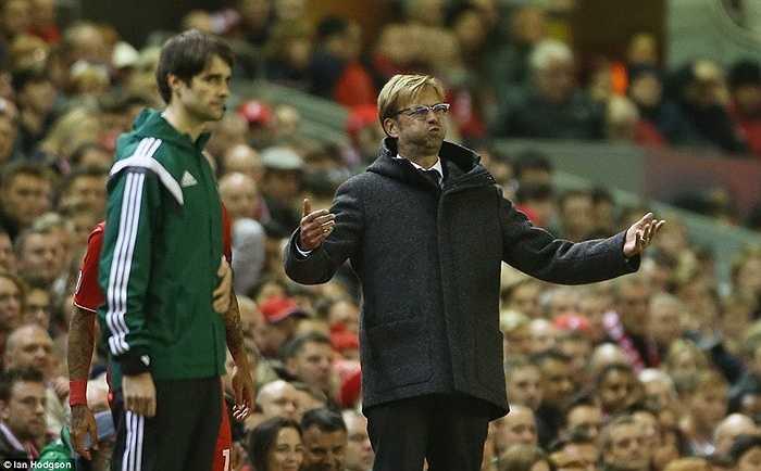 Klopp tiếc nuối với tình huống sút chạm cột dọc của Liverpool trong hiệp 2