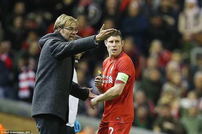 Ông lên dây cót tinh thần cho đội trưởng đêm qua của Liverpool, James Milner