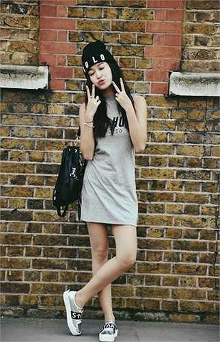 Trang phục hàng ngày của cô sinh viên Học viện thời trang cũng cá tính hơn.