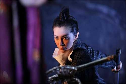 Lý Băng Băng không chỉ là một diễn viên phim hành động nổi tiếng Trung Quốc mà cô còn có mặt trong một vài phim Hollywood như Vua Kungfu, Resident Evil, Transformers 4. Ở quê nhà, Lý Băng Băng cũng có những màn võ thuật xuất sắc trong Địch Nhân Kiệt.