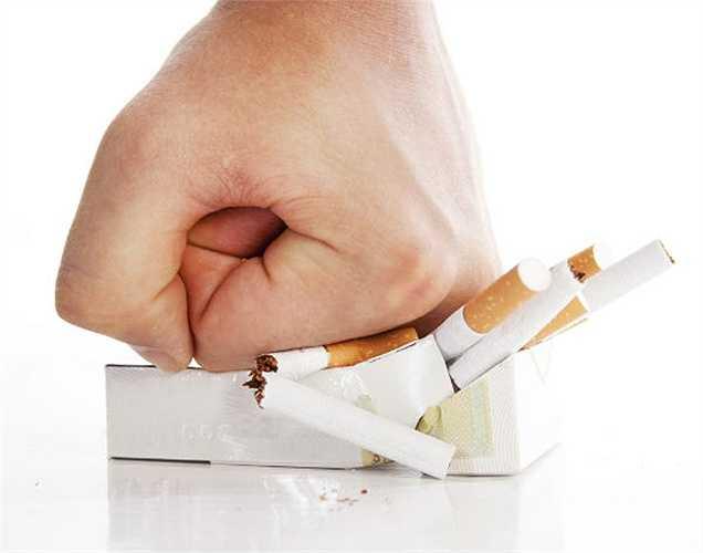 Không hút thuốc: Nếu bạn muốn cuộc sống khỏe mạnh, thì hãy ngừng hút thuốc. Hút thuốc lá là một trong những nguyên nhân phổ biến nhất của tăng huyết áp. Chất nicotine tích lũy có thể dẫn đến cơn đau tim và đột quỵ.