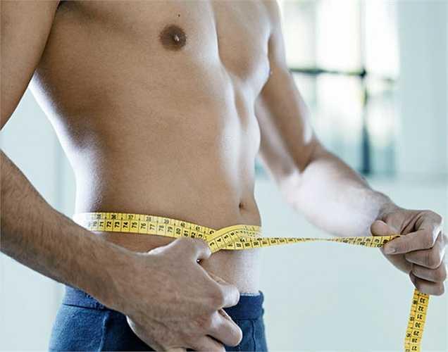 Giảm cân: có thể có tác động rất lớn vào việc giảm huyết áp. Giảm cân sẽ giúp giảm tải bệnh tim mạch, và do đó bạn sẽ thấy sự khác biệt trong áp lực máu. Nghiên cứu cho thấy những người béo phì có nhiều nguy cơ bị bệnh cao huyết áp.