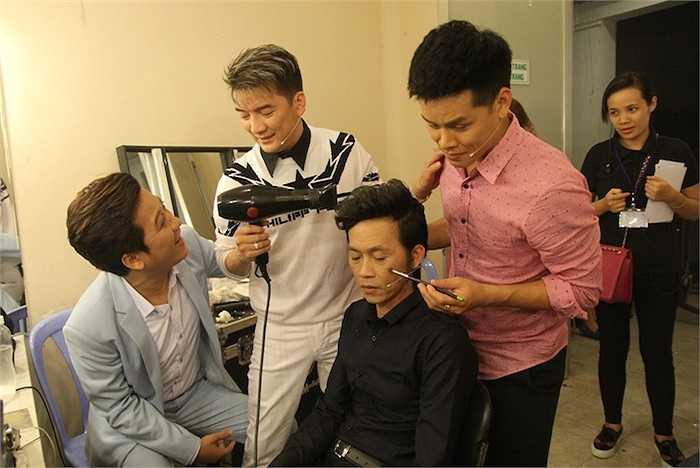 Khán giả hâm mộ đều biết 'Ông hoàng nhạc Việt' trước khi thành danh từng là một thợ cắt tóc lành nghề.