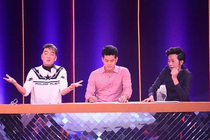 Trong liveshow 3, MC Đinh Ngọc Diệp đã hỏi vui danh hài Trường Giang: 'Đàn ông lúc đang yêu với sau khi kết hôn, họ có thay đổi không anh?'