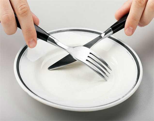 Hãy ăn sáng với salad: Một trong những cách tốt nhất để ngăn ngừa bệnh tiểu đường là ăn đĩa salad và giảm tiêu thụ các loại thực phẩm không lành mạnh.