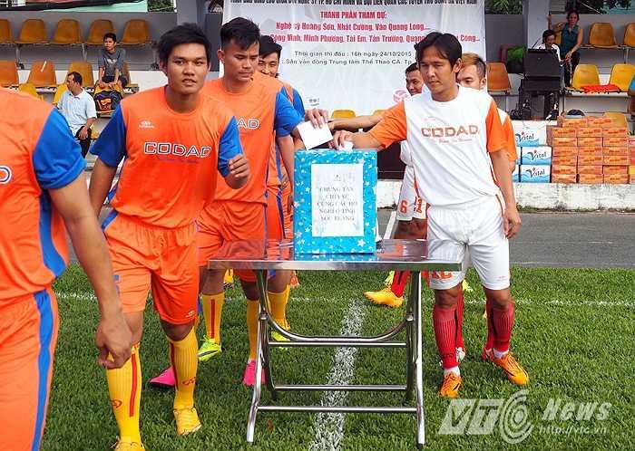 Sau khi giã từ sự nghiệp, Minh Phương thường tham gia vào các hoạt động từ thiện.