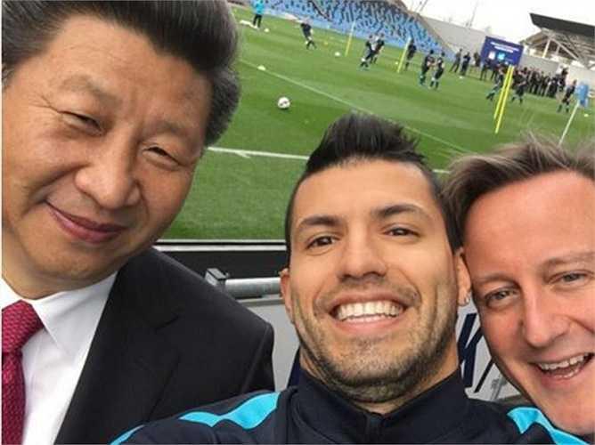 Trong bức ảnh tự sướng này, El Kun đứng giữa bên cạnh Chủ tịch Tập và Thủ tướng Anh David Cameron