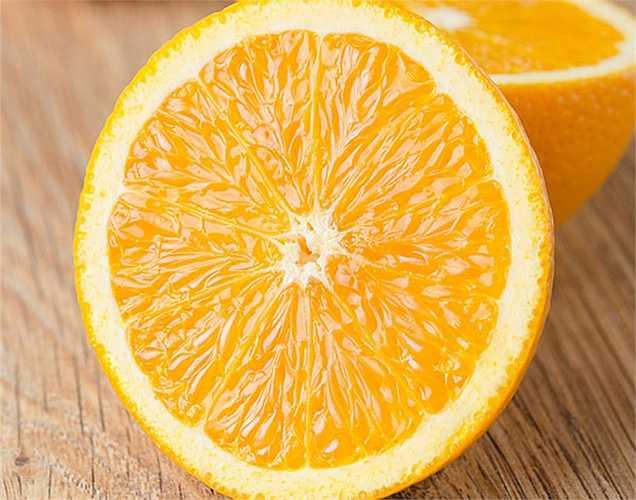 Cam có thể tăng cường hệ miễn dịch: nước ép cam có thể làm dịu hệ thần kinh và tăng cường hệ thống miễn dịch. Nó cũng có thể ngăn ngừa bệnh béo phì và các vấn đề tim mạch.