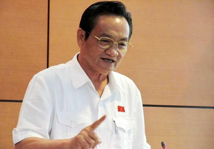 Đại biểu Trần Du Lịch cho biết việc chi hàng nghìn tỷ đồng cho xe công hàng năm đã được nói từ nhiều năm trước