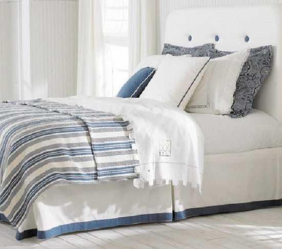 Không giặt ga giường và vỏ gối. Nếu được hỏi 'Bao lâu rồi bạn chưa cho vỏ gối, chăn và ga giường vào máy giặt?. Nếu bạn trả lời rằng 'Tôi không nhớ rõ' thì có lẽ bạn nên thực hiện hành động này ngay bây giờ. Theo nghiên cứu, chăn màn và gối là nơi vi khuẩn rất hay tích tụ vào và chúng cũng được cho là nguyên nhân gây nên những căn bệnh về da. Các chuyên da khuyên rằng bạn nên giặt chăn màn và vỏ gối ít nhất một đến hai lần trong một tuần.