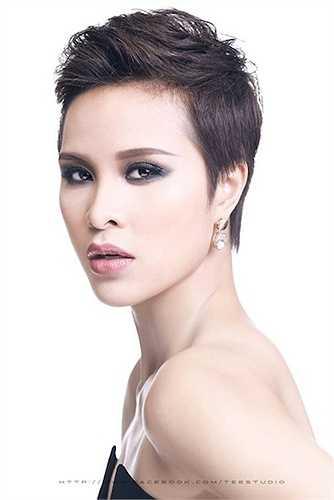 Cựu người mẫu Hà thành sớm giải nghệ và lấn sân sang lĩnh vực phim ảnh.